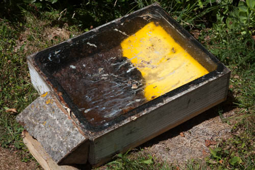 A box with glass lid for solar melting wax